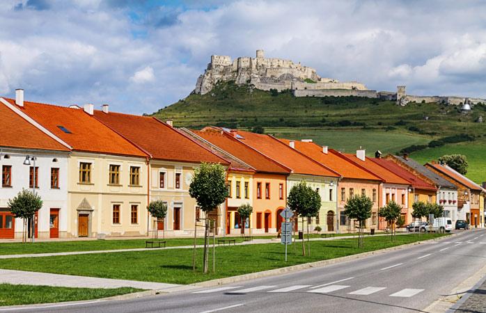 Вид на Спиське Подградє зі Списького замку - одного з найчастіше фотографованих місць Словаччини